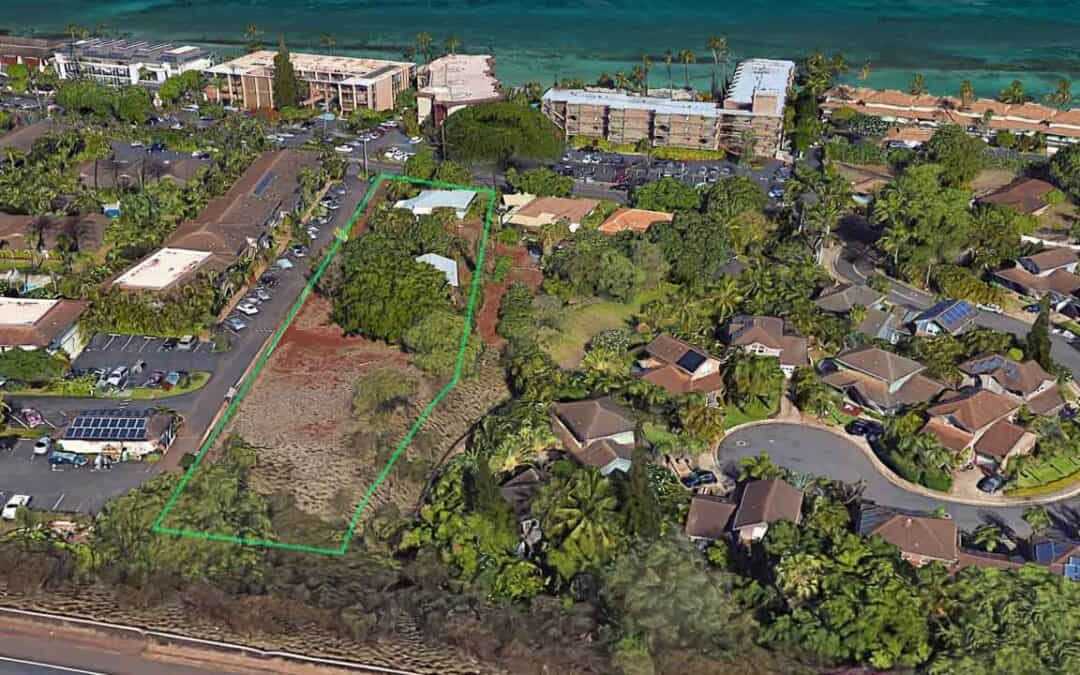 1 acre land with  2 houses in West Maui